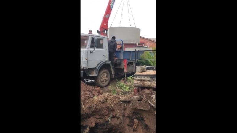 Монтаж канализации в труднодоступном месте.