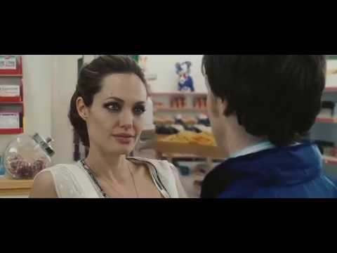 Анджелина Джоли в свои 33 Особо опасен 2008 Wanted
