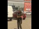 Солдат НКР празднует победу в битве на дамбе Гувера