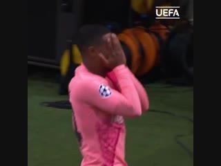 Первый гол Малкома в Лиге чемпионов