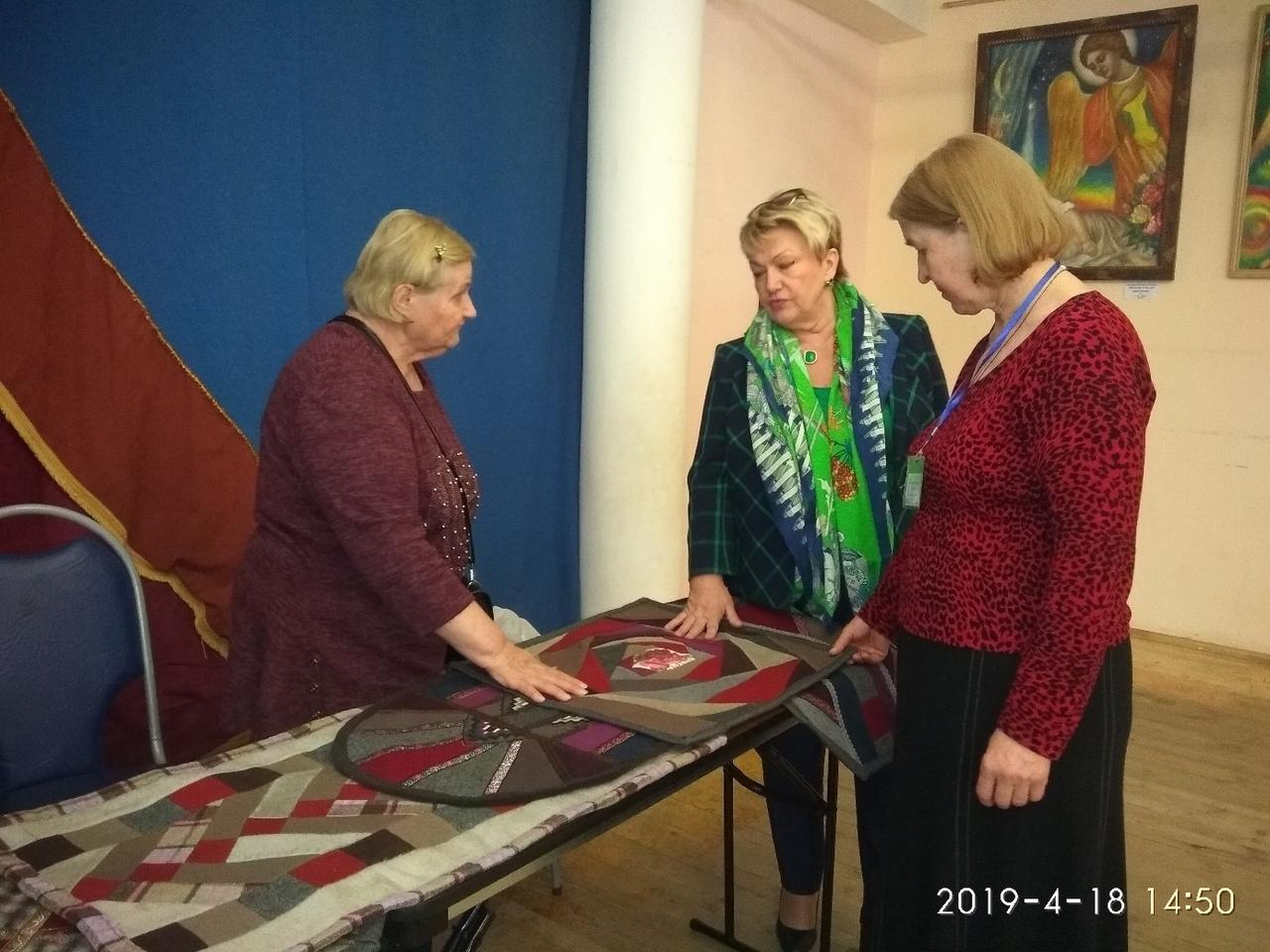 Галина Григрьевна Заверяева рассказывает о лоскутном шитье