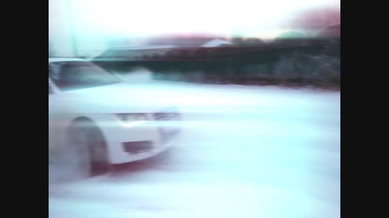 наваливает боком на Audi A7
