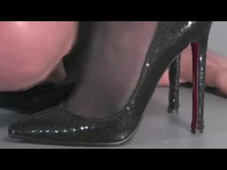 Follow My Red Soles Womenworship