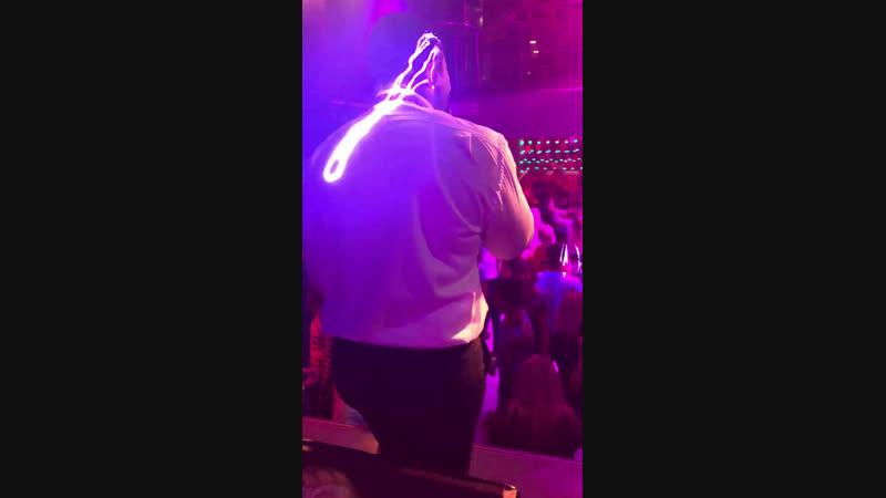 Live: Cafe Club Platinum