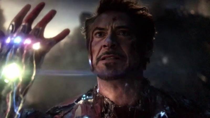 Щелчок Железного человека и смерть Мстители финальная сцена