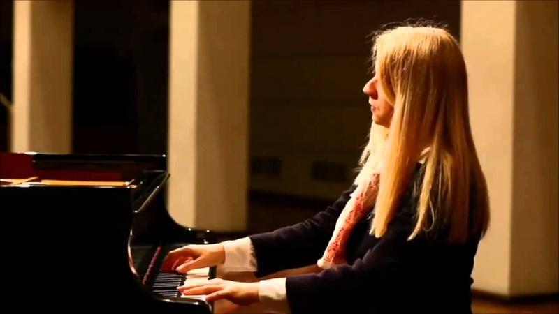 Beethoven - Moonlight Sonata 1st Movement (Adagio Sostenuto)