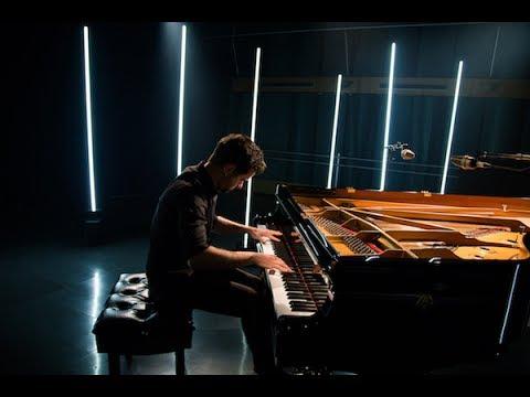 Le pianiste Jean-Michel Blais joue IL
