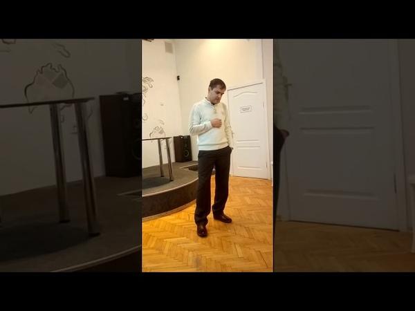Дмитрий Терёшин читает стихотворение Сергея Есенина Мне осталась одна забава