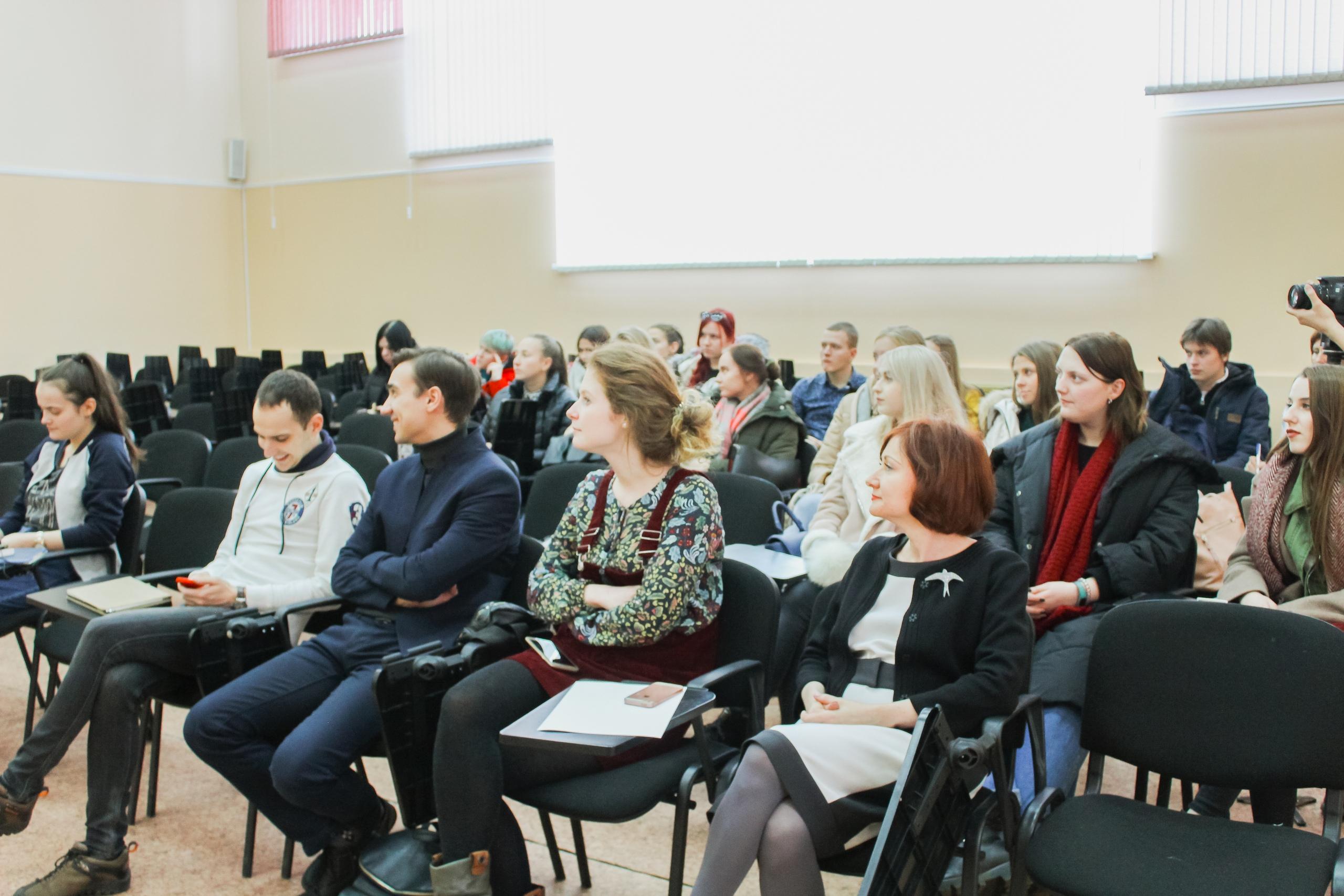 МЕДИА-ЧАС с директором Центра маркетинга Андреем Прохоровым
