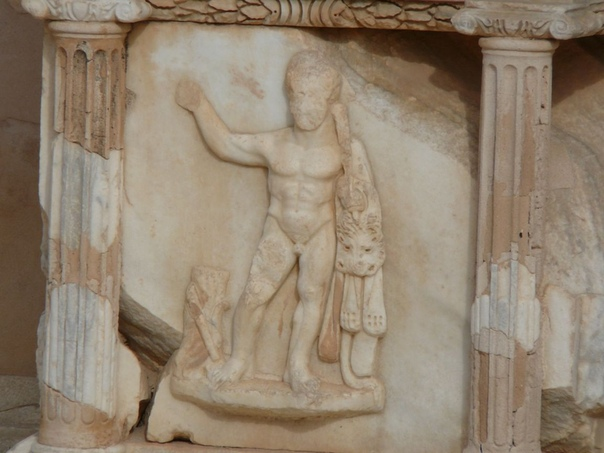 Древняя Ливия. Сабрата (Sabratha) Сабрата (др. название Абротон от лат. Abrotonum, араб. صبراتة ) древний город, расположен на побережье Средиземного моря, в области Сиртика на северо-западе
