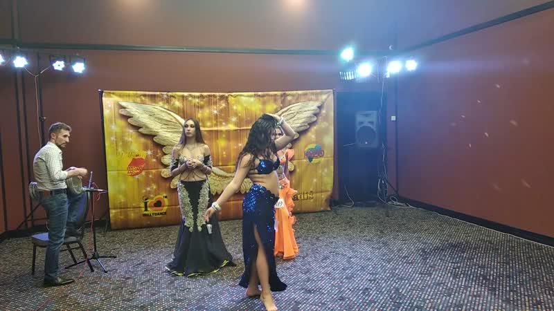 Сабина Аскерова, импровизация под дарбуку