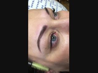 Первые бровки ученицы Ангелины Калугиной перед коррекцией через полтора месяца после первой процедуры.