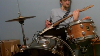La Bamba-drums & guitar at the same time!