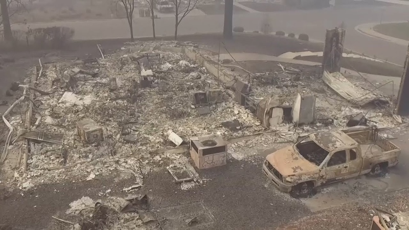 Опустевший Парадайз: число жертв пожаров в Калифорнии достигло 66 человек