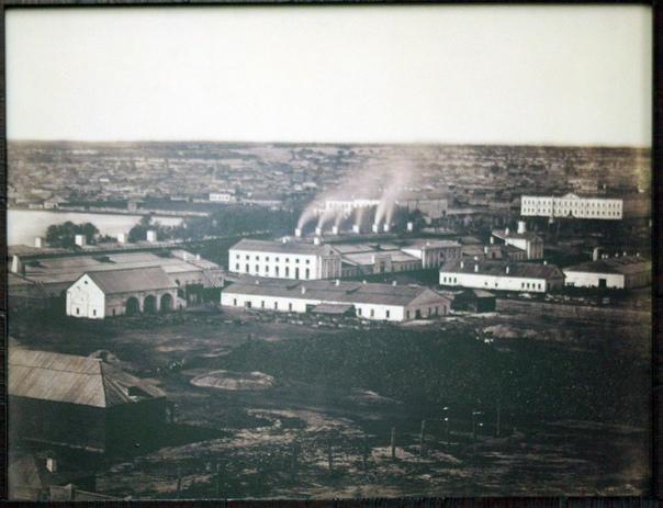 Барнаульский меде-сереброплавильный завод был одним из драйверов быстрого промышленного освоения Алтая и причиной роста населения Барнаула.  Однако, суровый климат и тяжёлая работа на рудниках и заводах, отсутствие медицины влекло высокую смертность.
