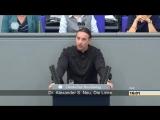 Alexander Neu fragt in seiner Rede direkt Kriegsministerin Leyen ob sie auch bereit w