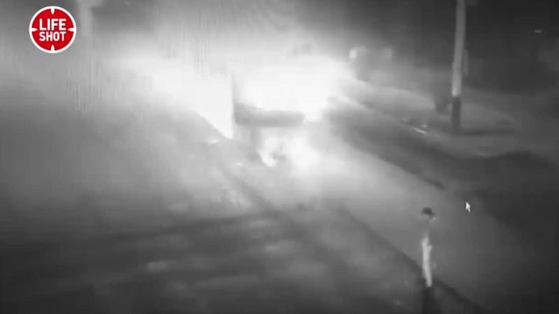 В Тамбове автомобиль влетел в каток погибло четыре человека Видео L fe