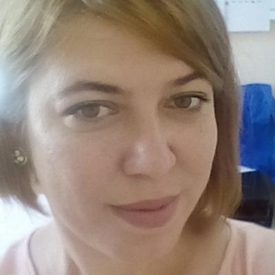 Алена Кумирова