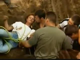 Спасение двухлетней девочки упавшей в колодец