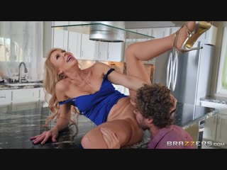 Brazzers.com] erica lauren ( cock blocked by mom / 06.02.19) [2019 г., average body, blonde, caucasian, dress, high heels, innie