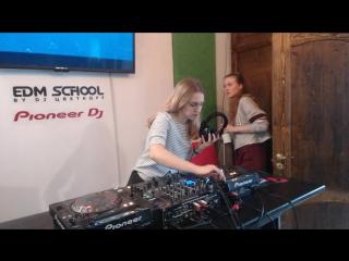 Экзамен сотрудниц EDM School by Dj ЦветкоFF