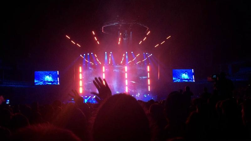 Netsky Live - Thunder ft. Emeli Sandé (Sportpaleis 2017)