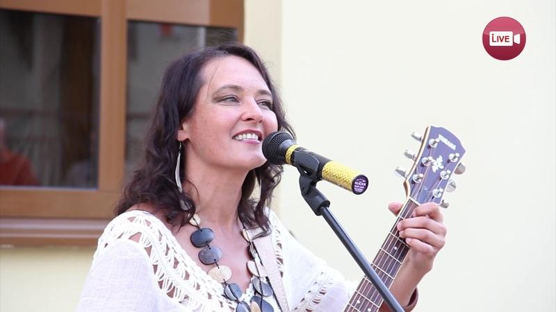 Слоним слушай Полонез Огинского в исполнении москвички Милы Рожковой 16 августа 2018