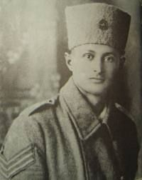МОШЕ ДАЯН 20 мая 1915 года в первом кибуце Эрец-Исраэль Дгания в Палестине в семье Дворы Затуловской и Шмуэля Китайгородского, выходцев из Российской Империи родился будущий полководец. Вспомним