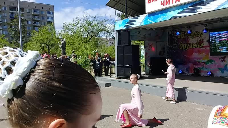 Алёна Дыбенко, танцевальная студия Конфетти. Выступление на День города