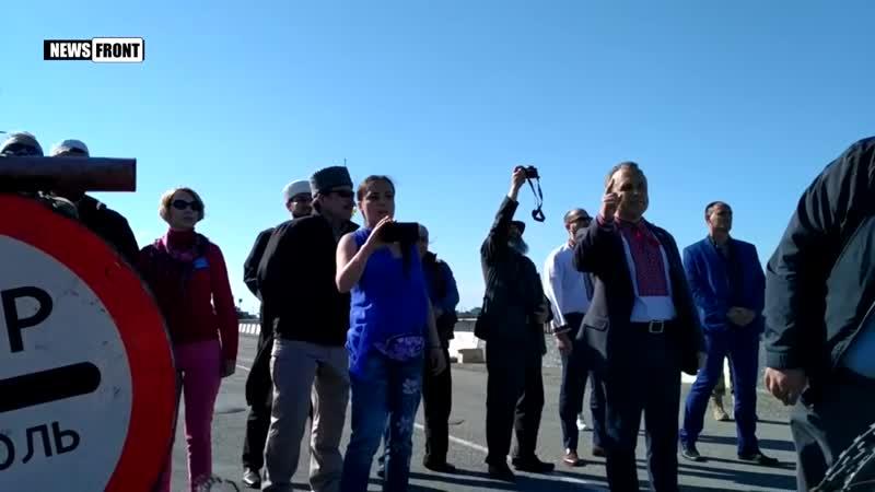 В Чонгаре на границе с Крымом националисты поют гимн Украины и оскорбляют крымчан