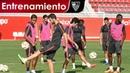 Entrenamiento previo al partido de Copa ante el Villanovense