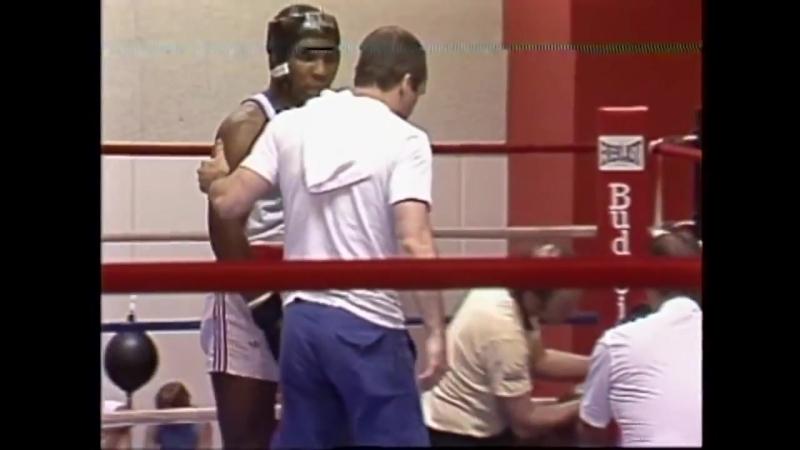 Майк Тайсон нокаут в любительском боксе. Редкое видео