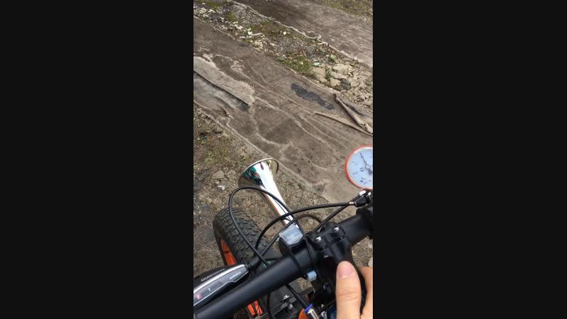 Пневмо сигнал на велосипед