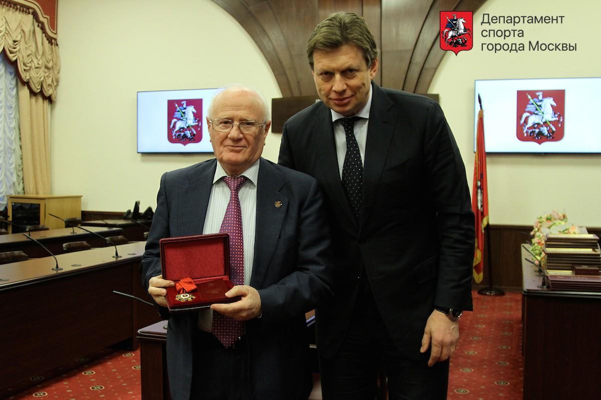Евгений Гомельский награжден знаком отличия «За заслуги перед Москвой»