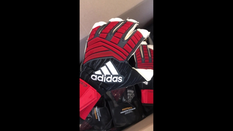 ADIDAS PREDATOR FINGERTIP BLACKRED