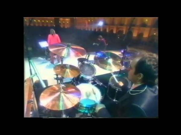 Vecher - Neobiknovenniy Koncert - Gostiny Dvor 2000. Mumiy Troll