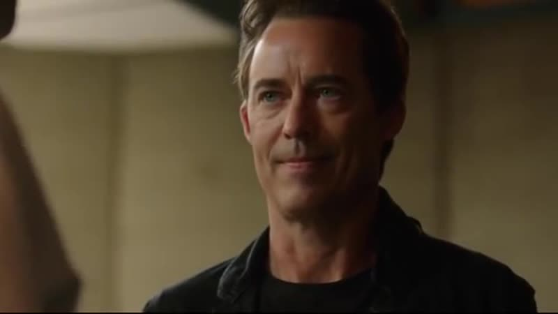Eobard Thawne meets Harisson Wells Deleted Scene _ Crisis on Earth-X Crossover