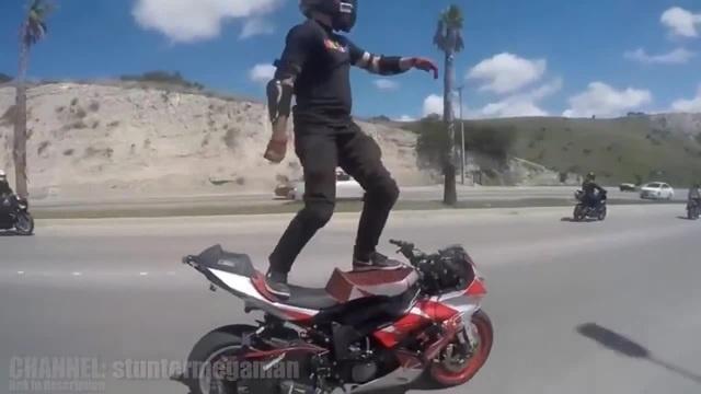 Bike dancer