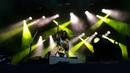 'Angels' (The XX cover), Céu e Tropkillaz ao vivo em São Paulo.