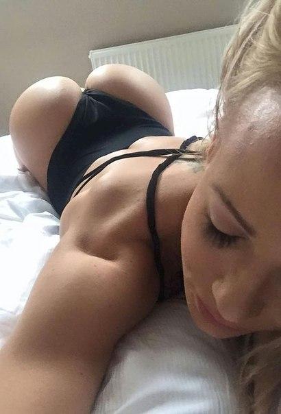 Public hot tyoing my horny pussy