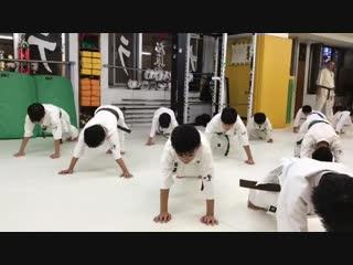 Отжимания в Кёкусинкай карате. Подготовка бойца. https://vk.com/oyama_mas