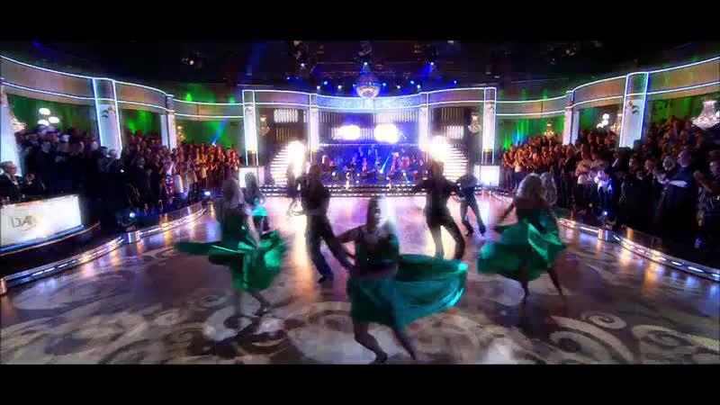Se Dansarnas Imponerande Öppningsnummer i Det Andra Avsnittet Av Let's Dance 2019.