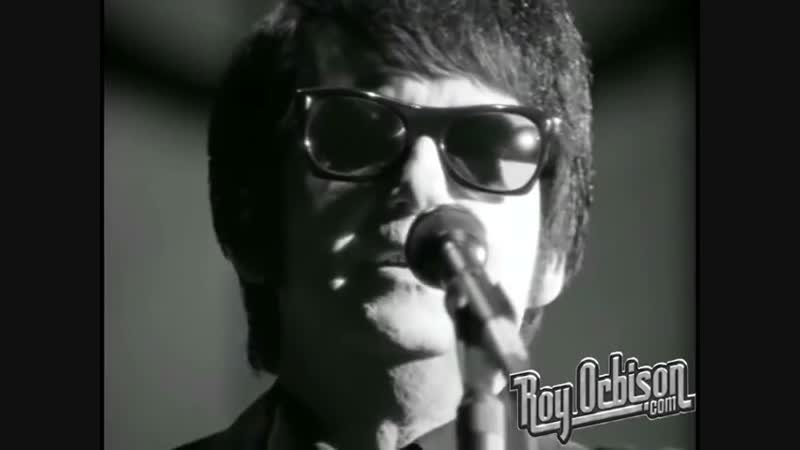 Roy Orbison - Only the Lonely. from Black and White Night