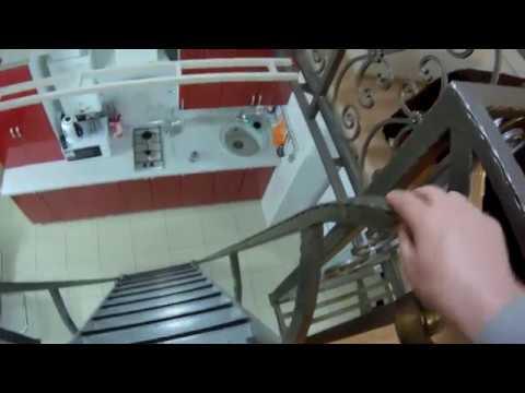 Неформат Откидная отодвигаемая лестница трап на антрессольный этаж её конструкция