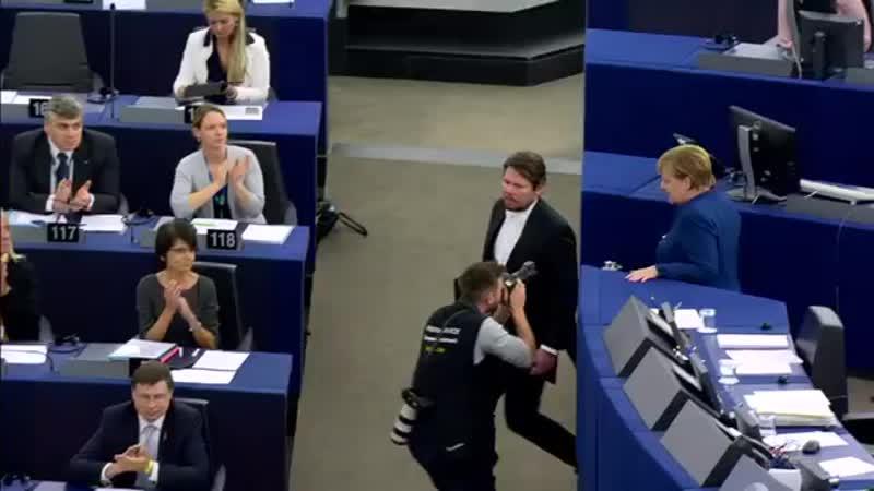 Merkel spricht vor dem EU Parlament 1 - Seele EUROPA s strapaziert - Angela Merkel CDU