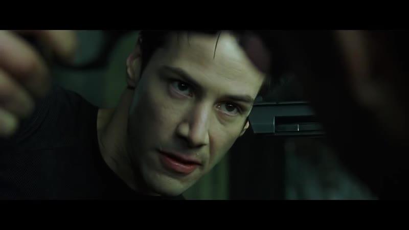 Бой Нео против агента Смита в метро.