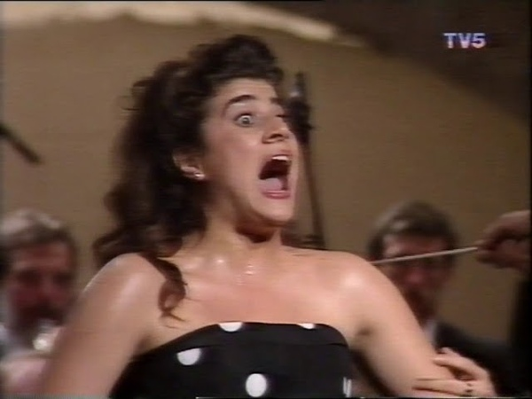 26 year old Cecilia Bartoli - Recital Antibes 1992