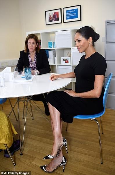 Меган Маркл посетила мастерскую фонда Smart Wors, чьим покровителем была объявлена С принцем Гарри они выйдут в свет на следующей неделе, как и было объявлено, а сегодня герцогиня Сассекская