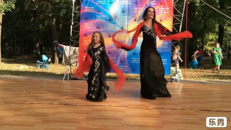SUPERB KHALEEJY DANCE DUO ☀️☀️ / TI RASH RASH /DAG ALMANI