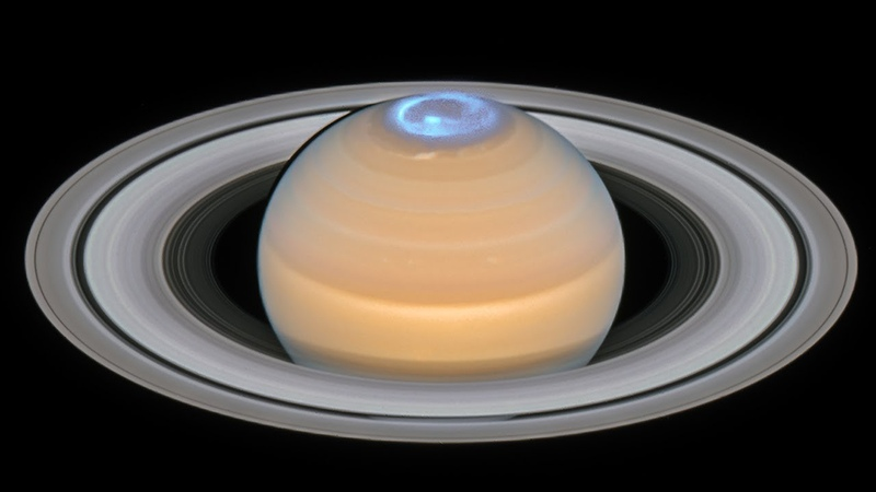 Saturn's northern auroras seen by Hubble